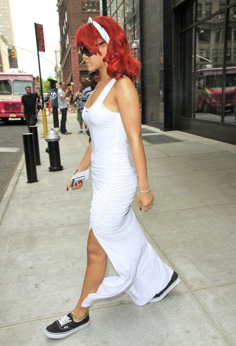 Rihanna-Leaving-A-Hotel-In-New-York