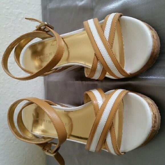 Tommy Hilfiger wedge sandal Tan and white Tommy Hilfiger wedge sandal Tommy Hilfiger  Shoes Wedges