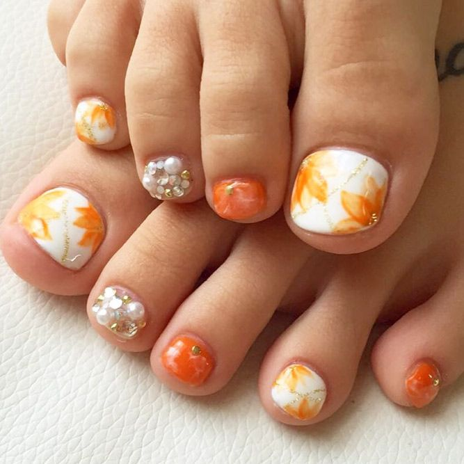 24 Eye Catching Toe Nail Art Ideas You Must Try Fall Toe Nails Toe Nail Designs For Fall Toe Nail Designs