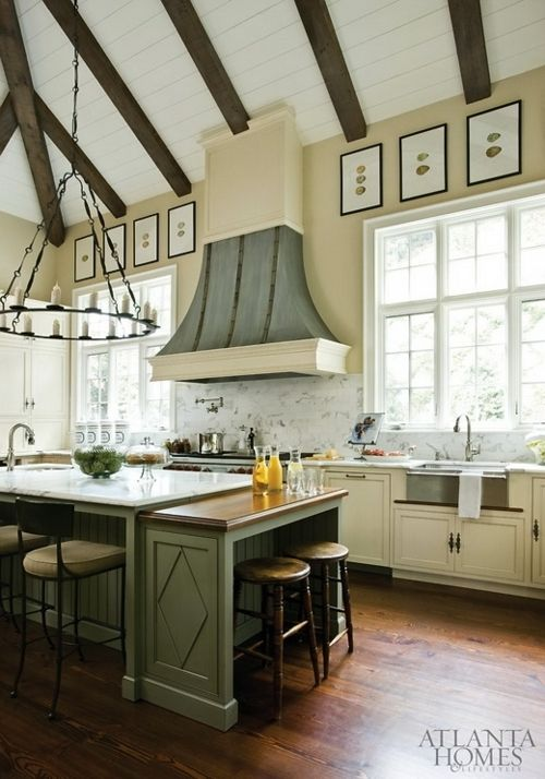 Spacing out over this spacious country style kitchenlove the
