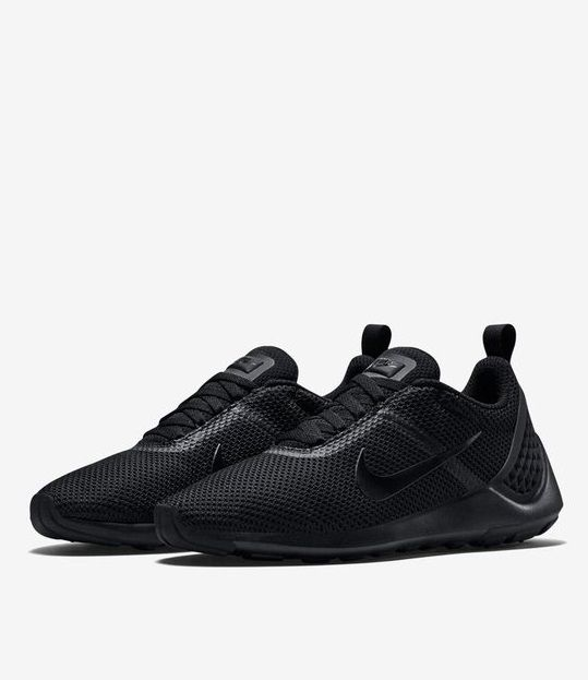 Nike Lunarestoa 2 SE: Triple Black