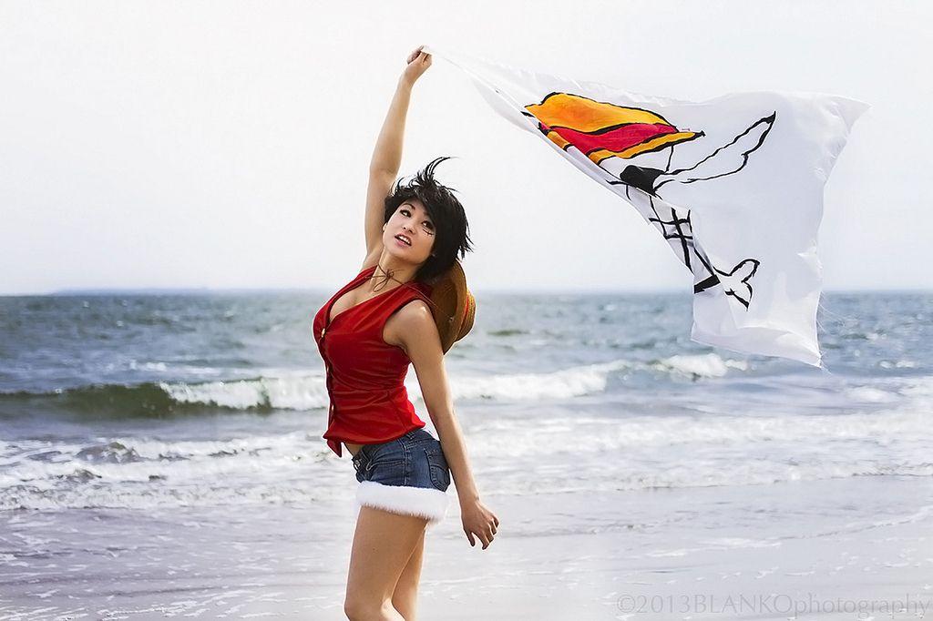 Resultado de imagen para luffy cosplay woman