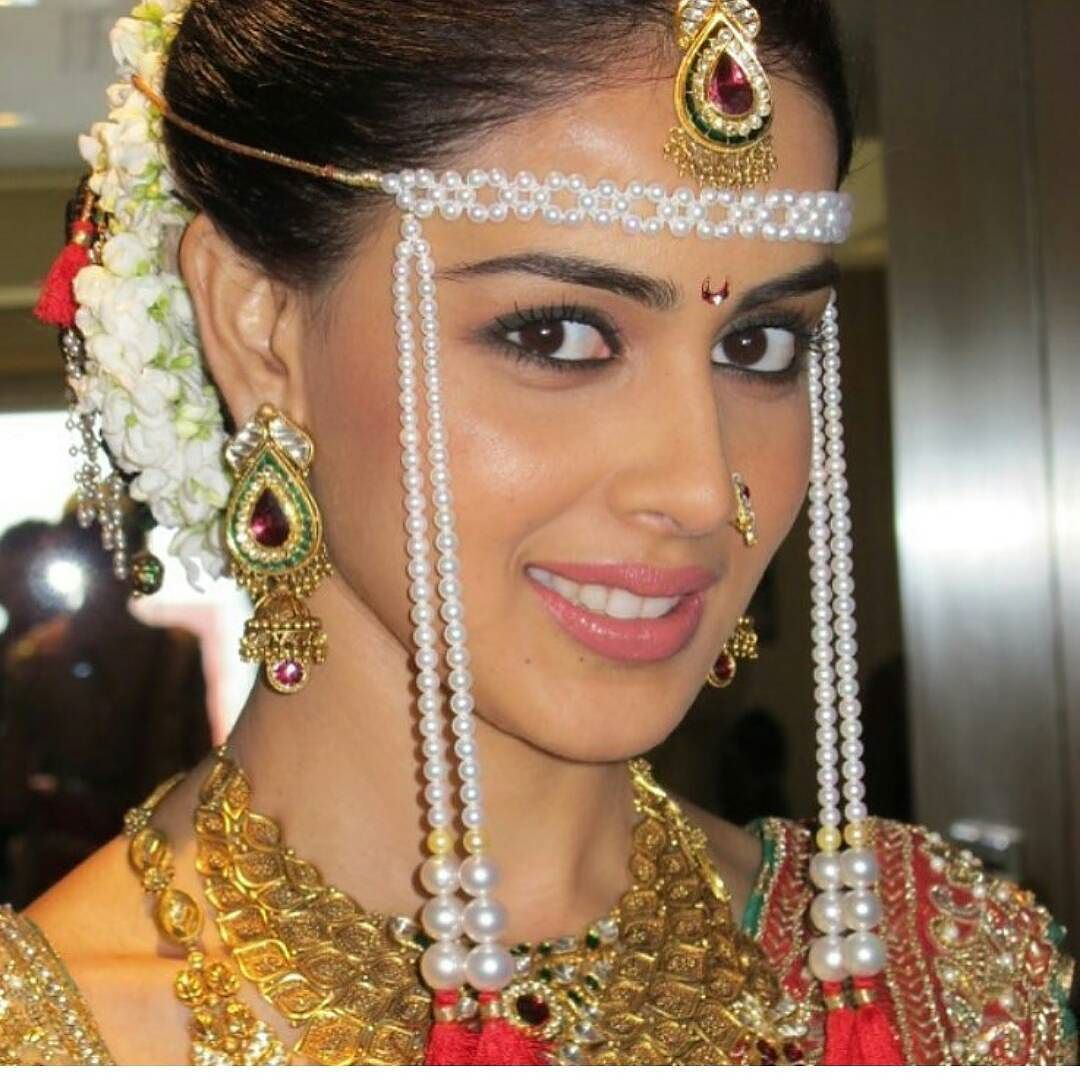 genelia d'souza few years back at her wedding in an all-marathi