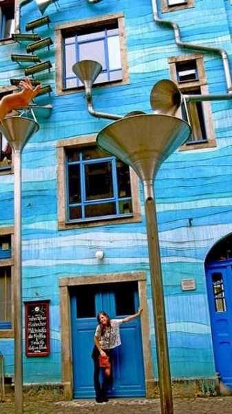 30 Amazing Downspout Ideas Splash Guards Charming Rain Chains And Creative Rain Ropes Rain Chain Rain Water Collection System Rain Water Collection