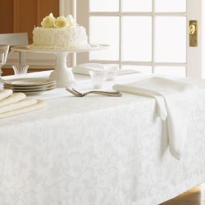 Orchard Easy Care Tablecloths And Napkins