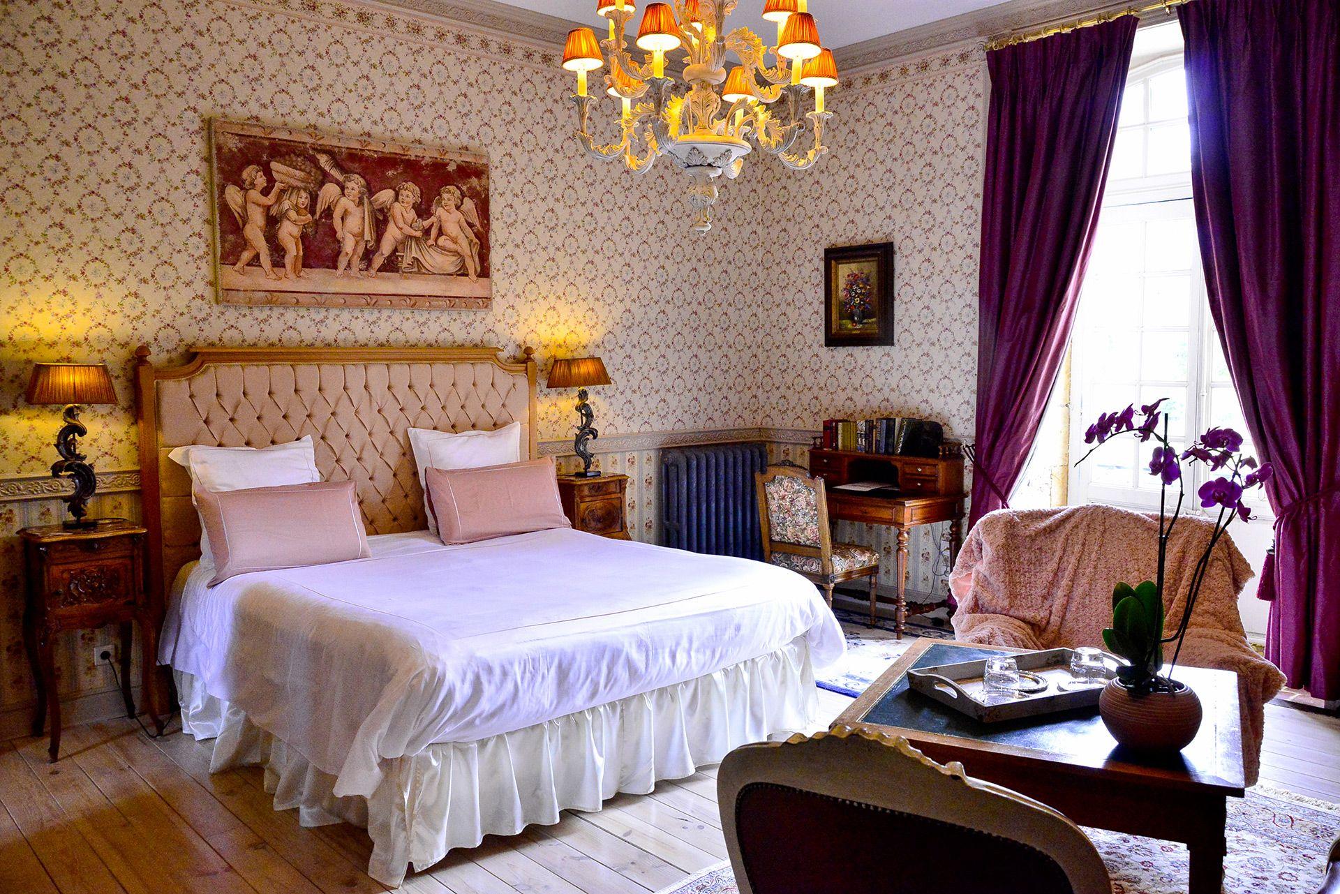 La Chambre De La Comtesse Location Francophone In 2020 Home Decor Home Bed