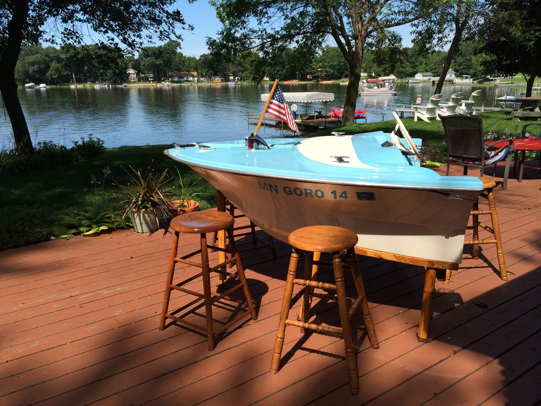 Boat Furniture, Vintage Boats, Decorative Bottles, Lake Cabins, Lake Life,  River House, Boat Garage, Garage Ideas, Bar Ideas