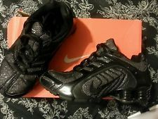 NIKE SHOX NAVINA PREMIUM SPARKLE WOMEN S 6 RUNNING SHOES BLACK ... 5d14b8dca