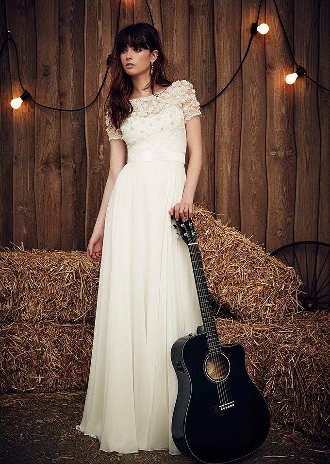 تصميمات مختلفة لفساتين الزفاف من المصممة الانجليزية العالمية جيني ...