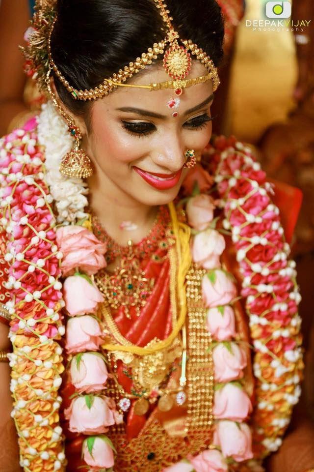 The Celebrity Wedding Story Of Sun Music Vj Diya Karthik Indian Bridal Hairstyles Celebrity Weddings Indian Wedding Garland