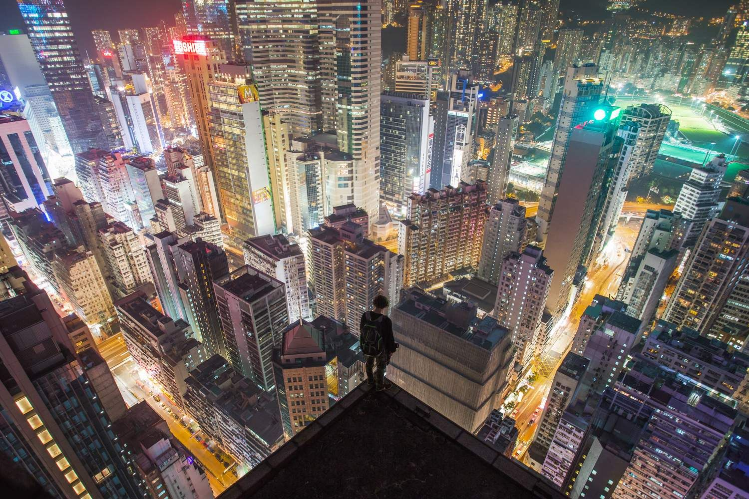 The Best Daredevil Rooftopping Photos Daredevil Amazing - Daredevil duo climb hong kongs buildings capture like youve never seen