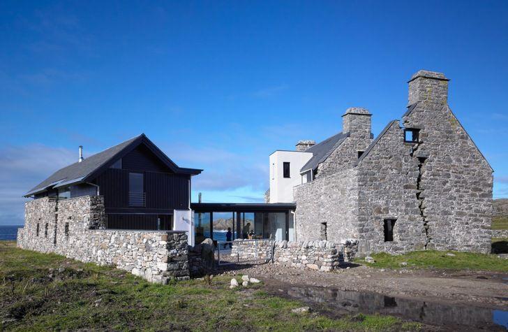 Modern Architecture Scotland white house: scottish ruins transformed into modern low-impact