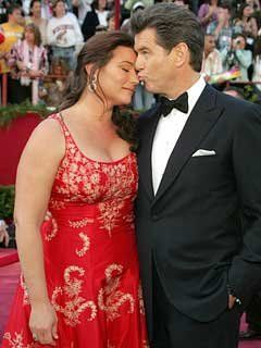 Pierce Brosnan and Keely Shaye Smith, I LOVE  this picture of them