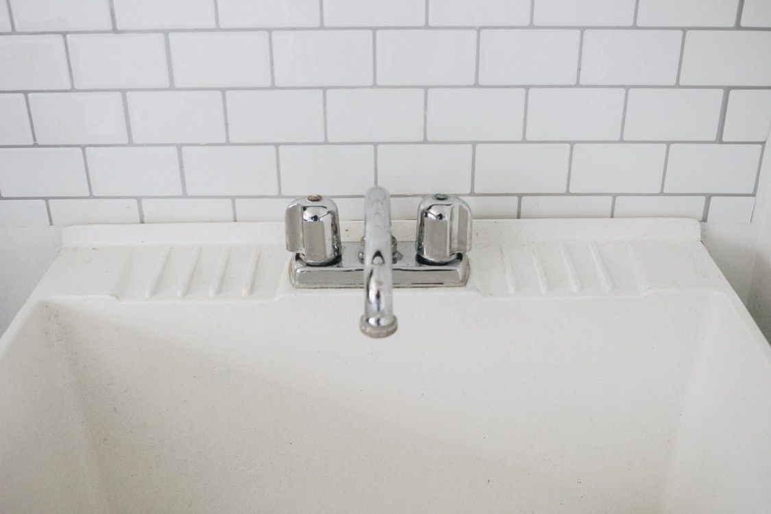 How To Clean A Stained Utility Sink Sink Utility Sink Cleaning