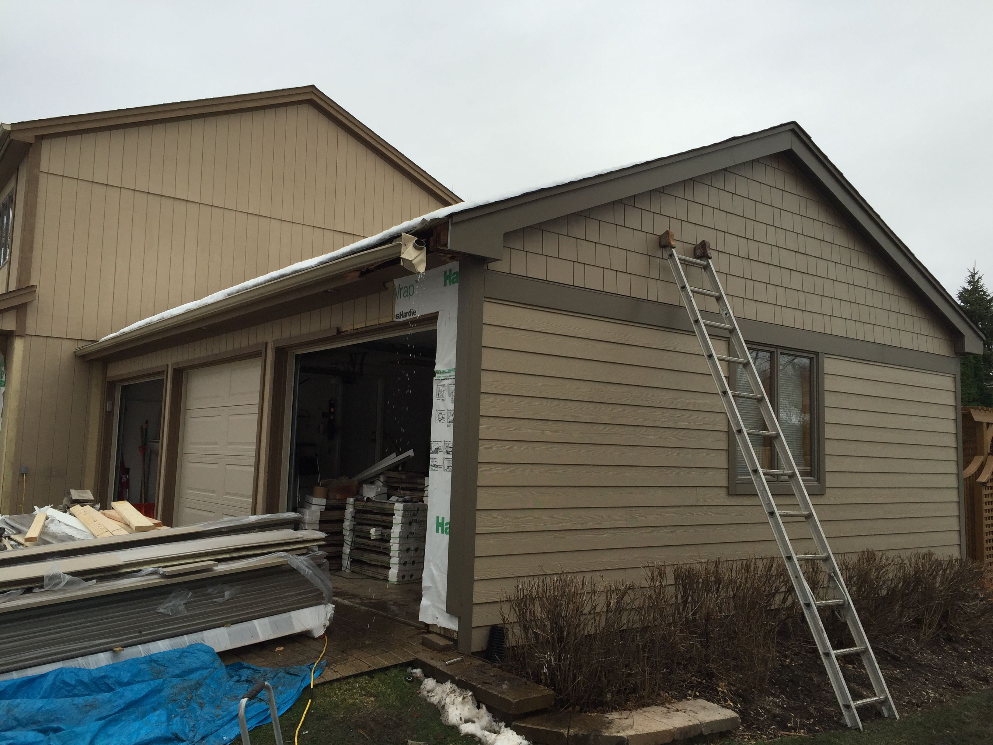 December 2015 It S Another Beautiful Day We Re Almost Finished With A James Hardie Siding Installation On Hardie Siding James Hardie Siding Installing Siding