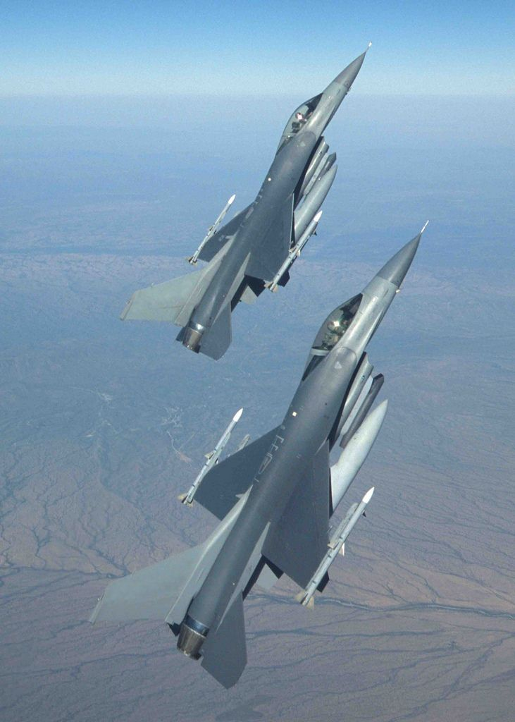 F-16 aircraft with Lockheed Martin Sniper® Advanced Targeting Pods (ATPs)