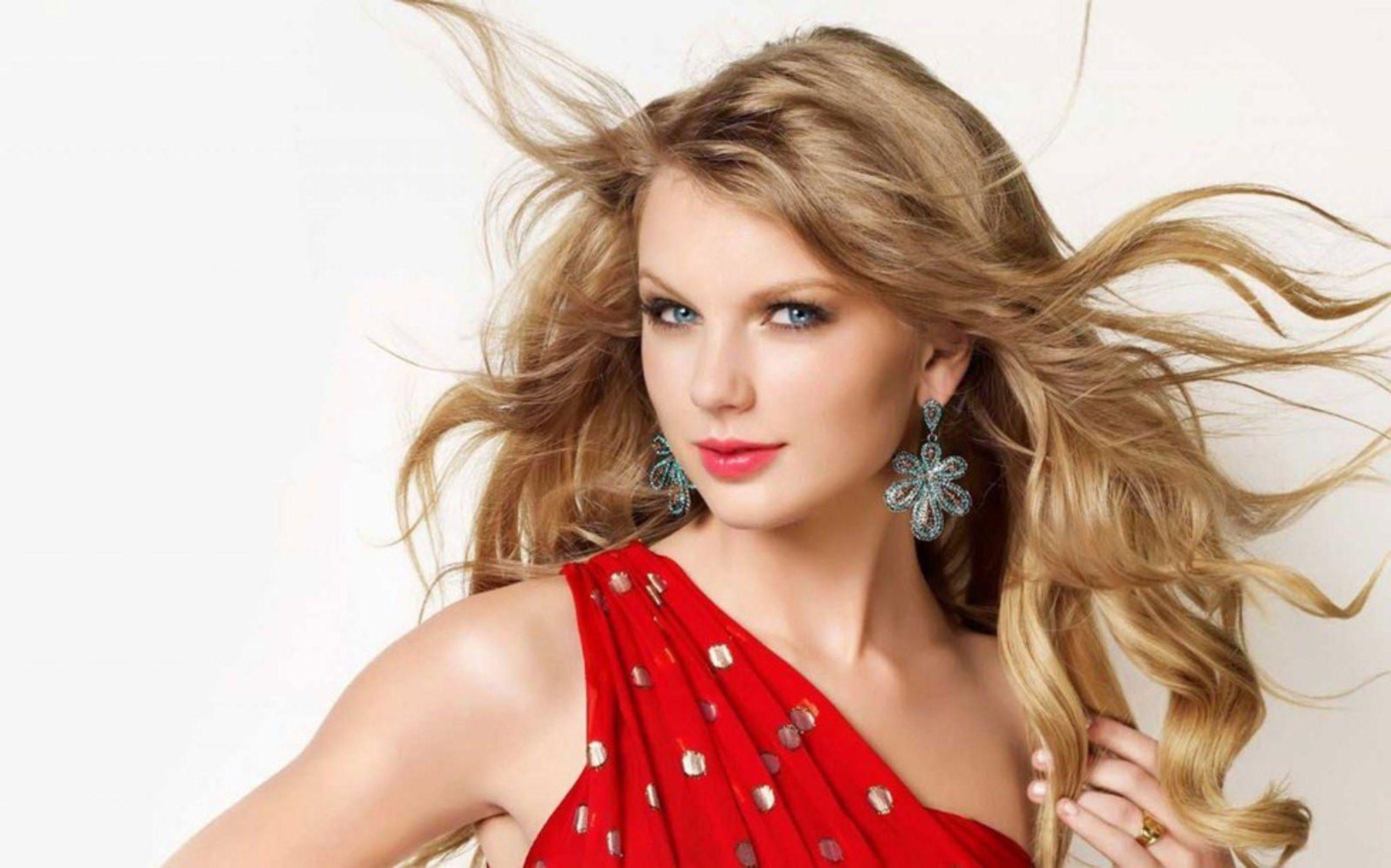 45 Of The Greatest Taylor Swift Lyrics