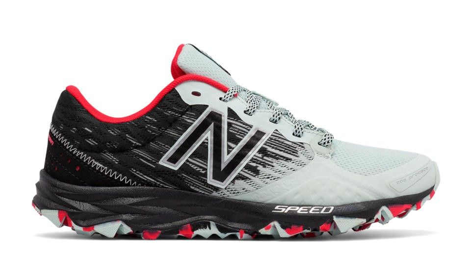 New Balance 690v2 Trail In Droplet With Black & Blossom