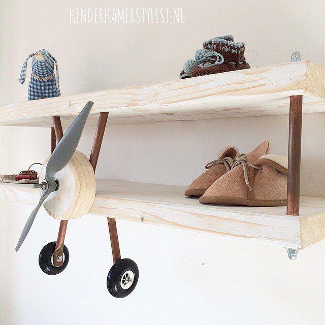Vliegtuig wandplank via kinderkamerstylistnl Children\u0027s room