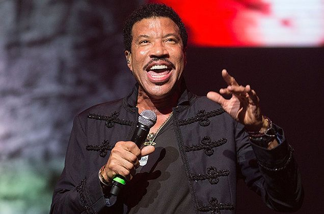 Rihanna Dave Grohl Ellie Goulding More To Perform At Lionel Richie Grammy Tribute Lionel Richie Ellie Goulding Grammy