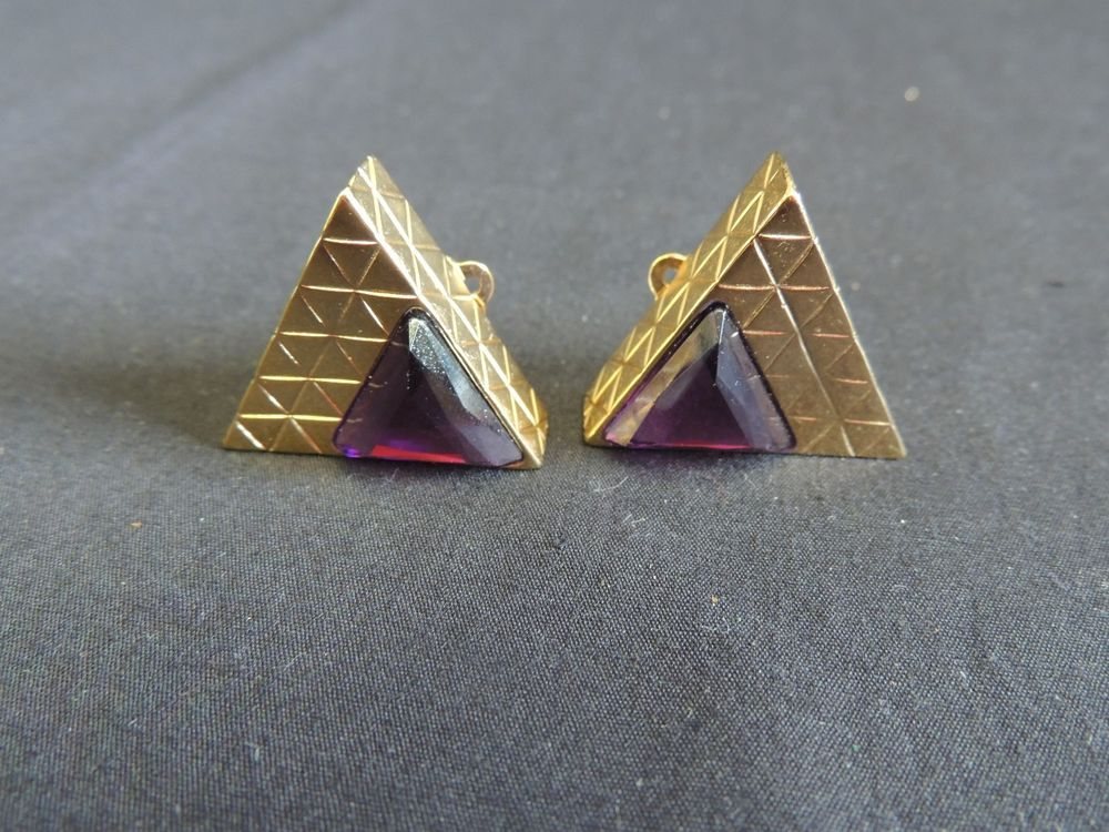 VTG Goldtone Triangle Purple Cabochon Bold Chunky Runway Clip Earrings Art Deco