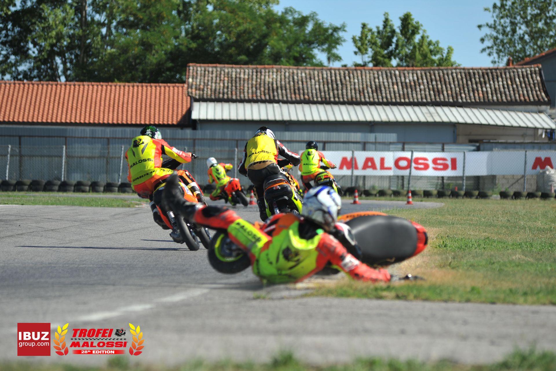 Circuito Vallelunga : Pratica e prova di pneumatici sul circuito di vallelunga in