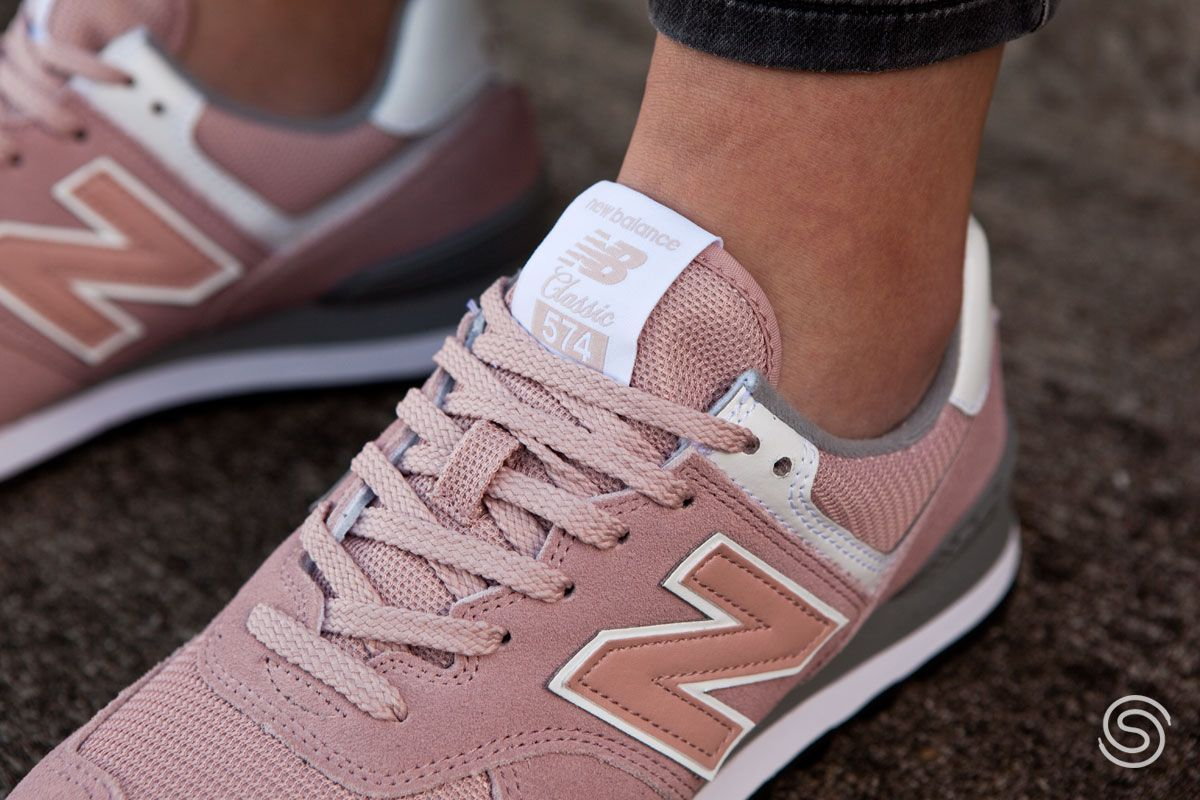 New Balance WL574 | Dames | Roze | New balance, Sneaker, Suede