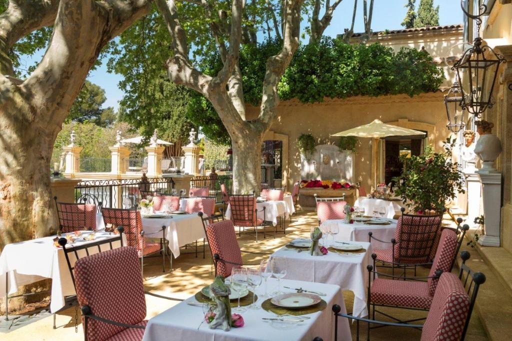 Villa Gallici テラス レストラン ガーデン