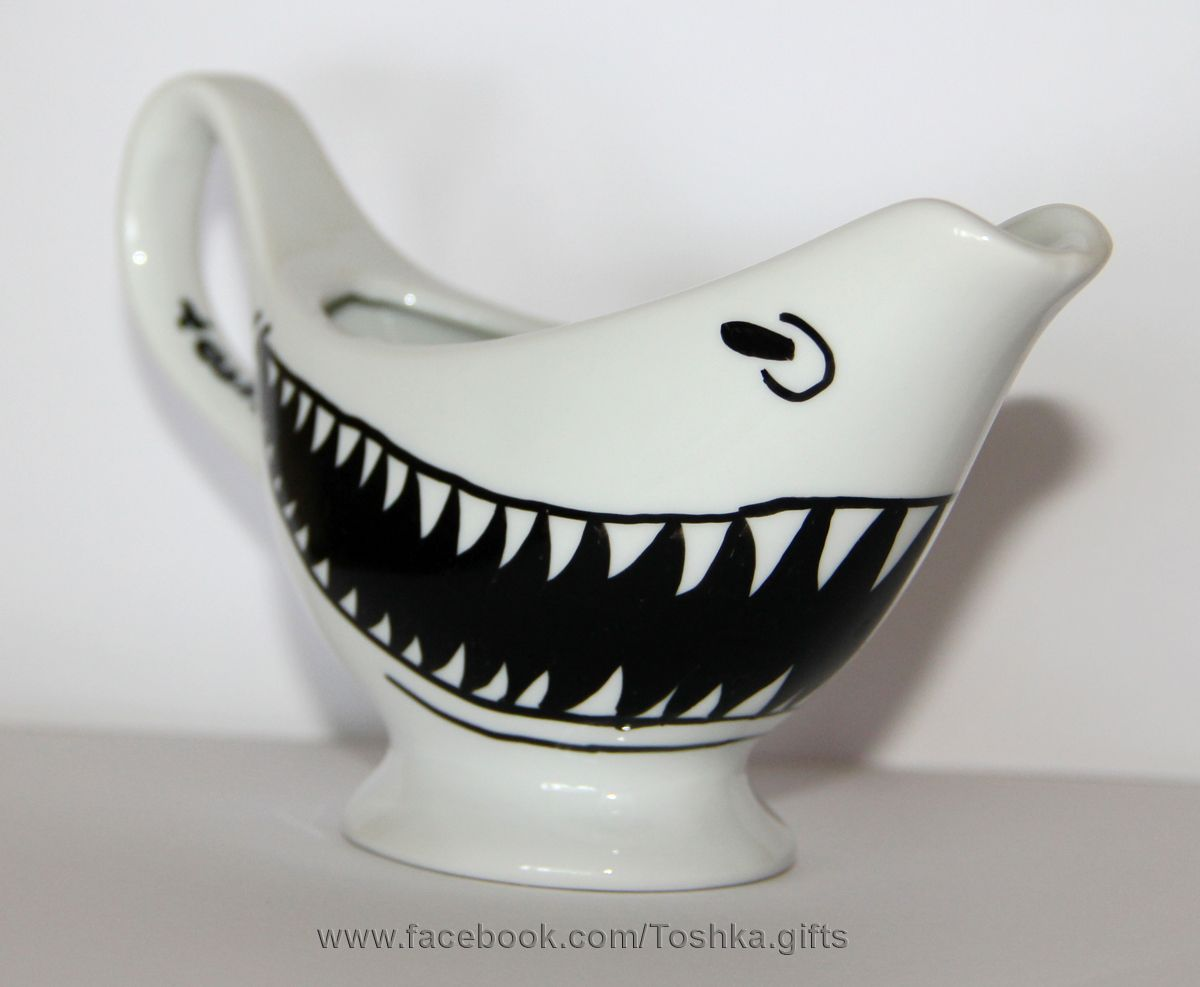 69bce869c5 shark teeth gravy vessel