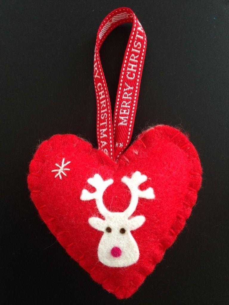 Decoration De Noel Coeur En Feutrine Rouge Et Son Renne Blanc