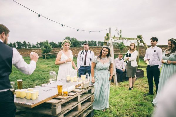 Fun Ideas To Entertain Your Wedding Guests Cabal Wedding