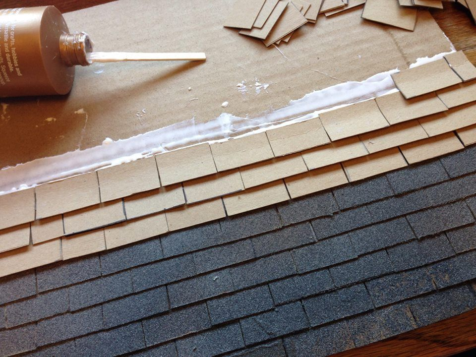 I made the roof of the dollhouse out of cardboard pieces, then I sprayed the whole thing with a textur… | Diy dollhouse furniture, Halloween diy outdoor, Doll house