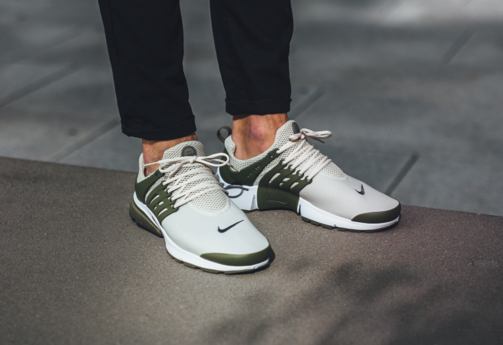 Medium Olive Highlights The Latest Nike Air Presto Essential With Images Nike Free Shoes Nike Nike Free Runners