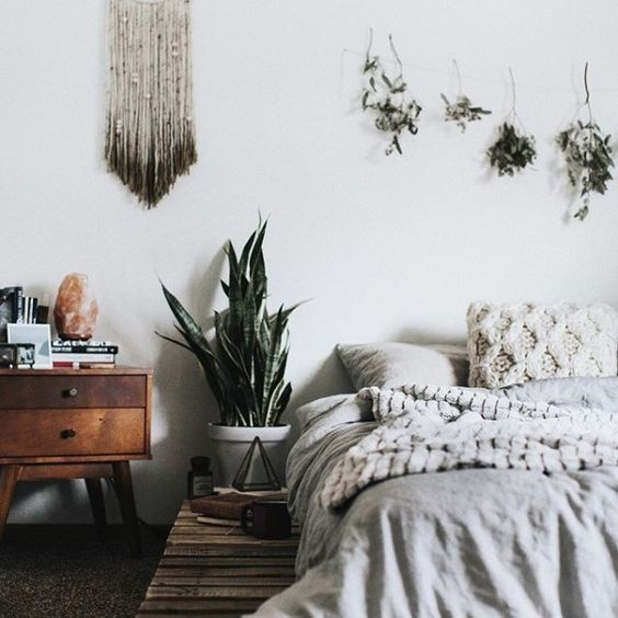 UOONYOU - Urban Outers   Bedroom   Hanging Plants, Pallet ...