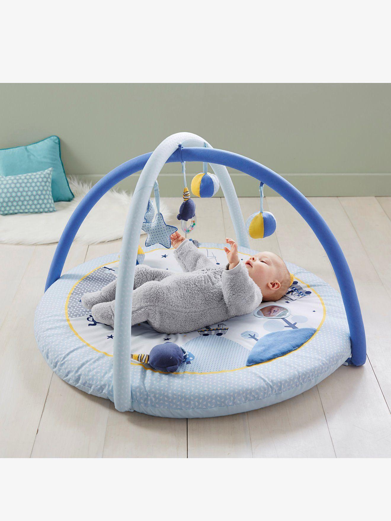1e1b6d6a4eff7 Tapis d éveil Circus bleu - Grâce à ce tapis d éveil rigolo et