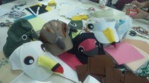 芸祭にむけて『鳥さん帽子』 | 「海ゴミ GO ME !」展