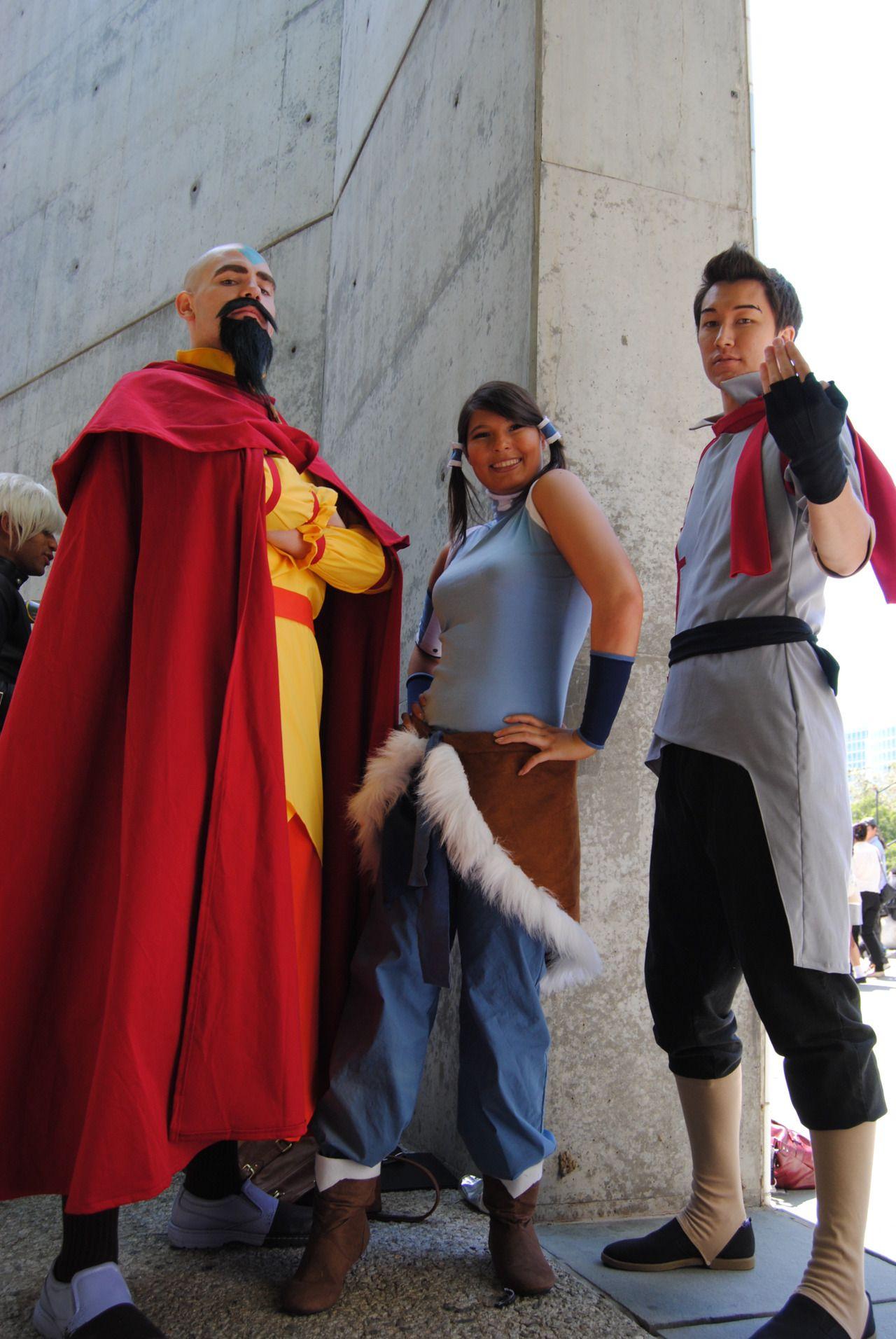 pega-poo:    Tenzin, Korra, and Mako at Fanime 2012