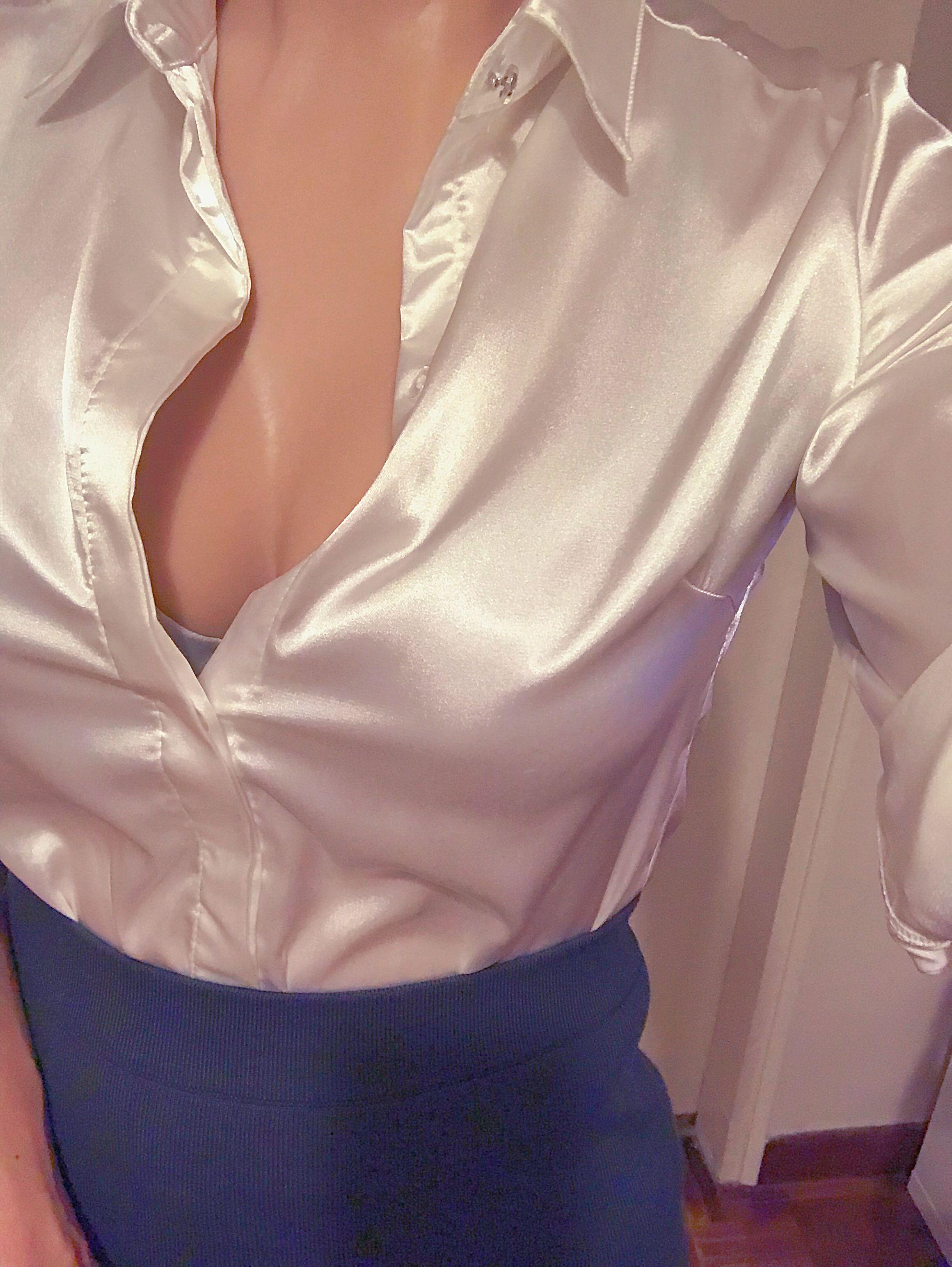 Самые красивая грудь под блузкой фото, огромные сексуальные попы видео
