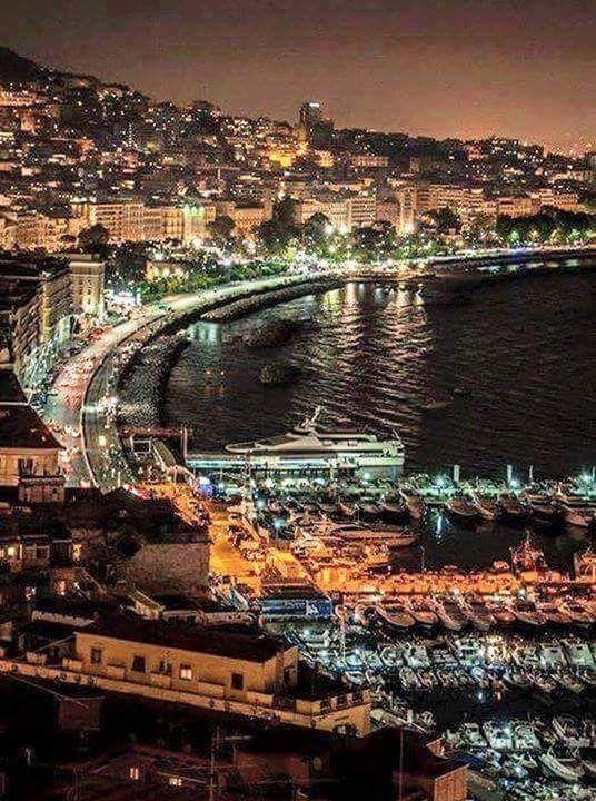 Napoli Di Notte Napoli Citta Luoghi