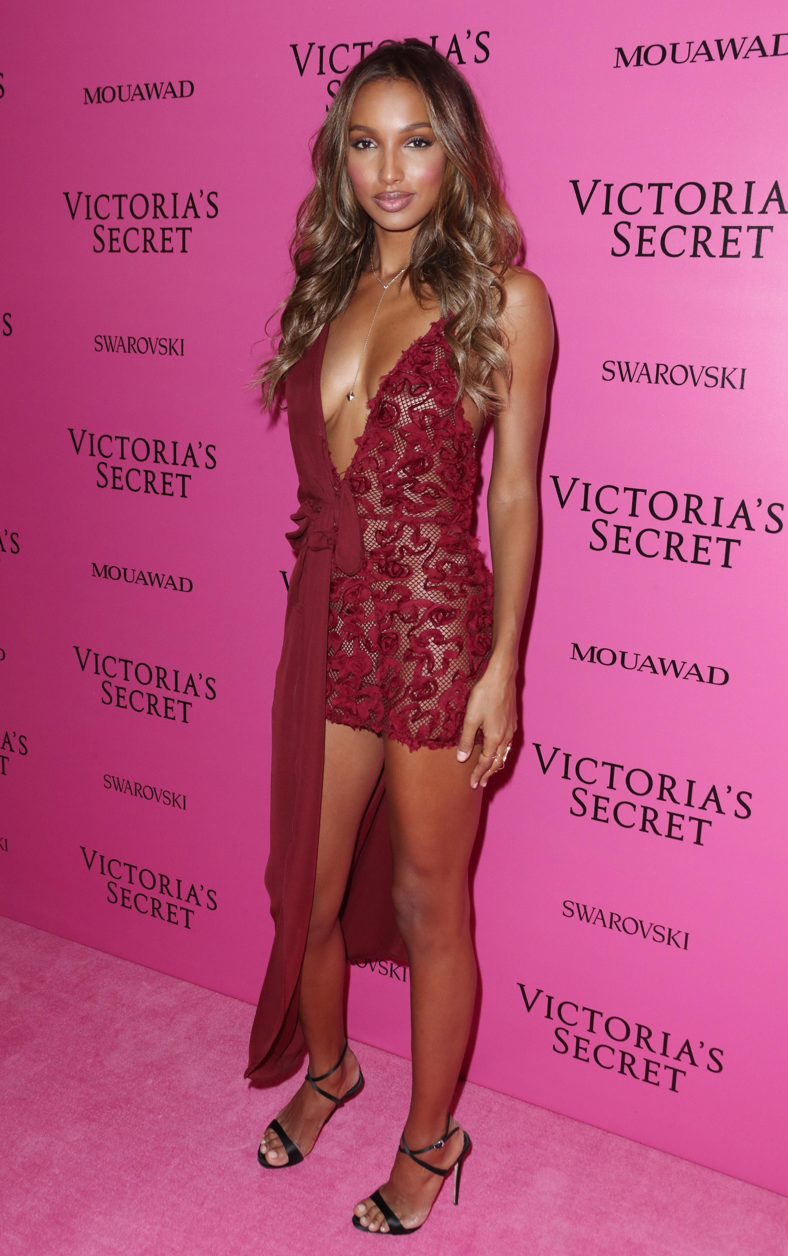 pictures It's Official: Jasmine Tookes is Making Pink EyeshadowHappen