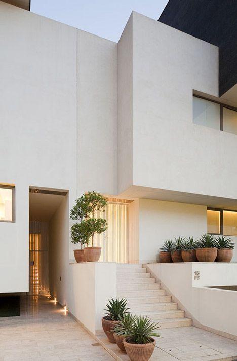 Black White House Agi Architects Slot Pinterest White - The-contemporary-black-and-white-house-by-agi-architects
