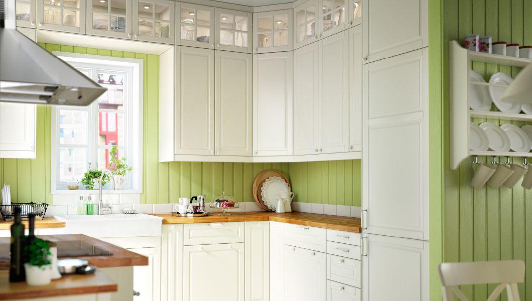 cuisine avec faces de tiroir portes et portes vitr es bodbyn blanc cass cuisine pinterest. Black Bedroom Furniture Sets. Home Design Ideas