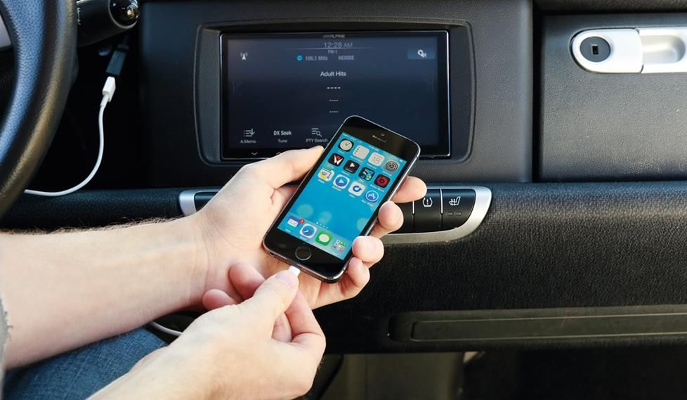 Best Ways To Use Your Iphone Or Android Smartphone With An Aftermarket Car Stereo Car Stereo Car Stereo Diy Phone