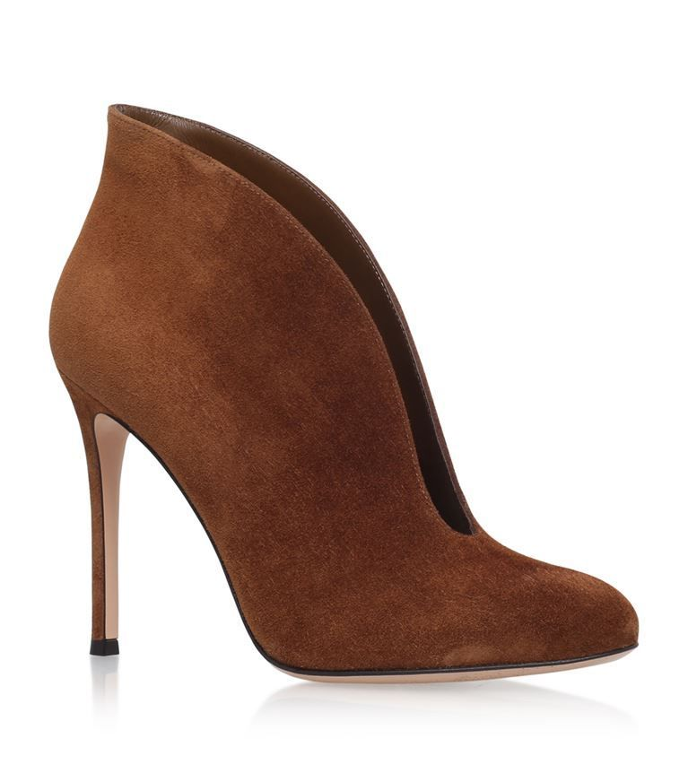 GIANVITO ROSSI Vamp Suede Ankle Boots 105. #gianvitorossi #shoes #