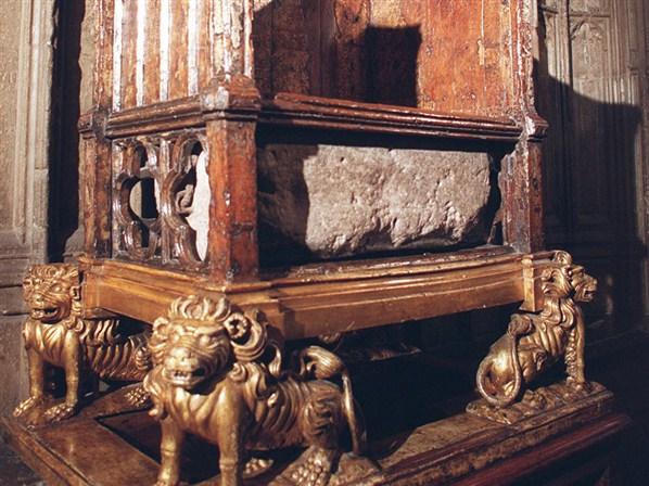 Resultado de imagen para Foto de la coronación de Eduardo VI, en la Abadía de Westminster