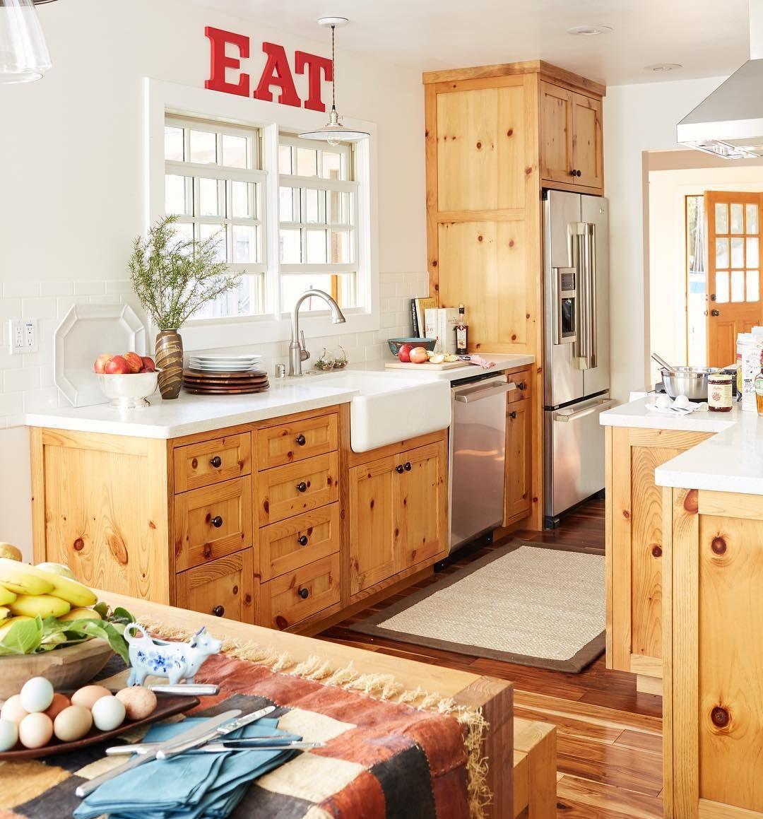 Lowe S Knotty Pine Cabinets: @elizabethmorganalbert Chose Knotty Pine Cabinets, Despite
