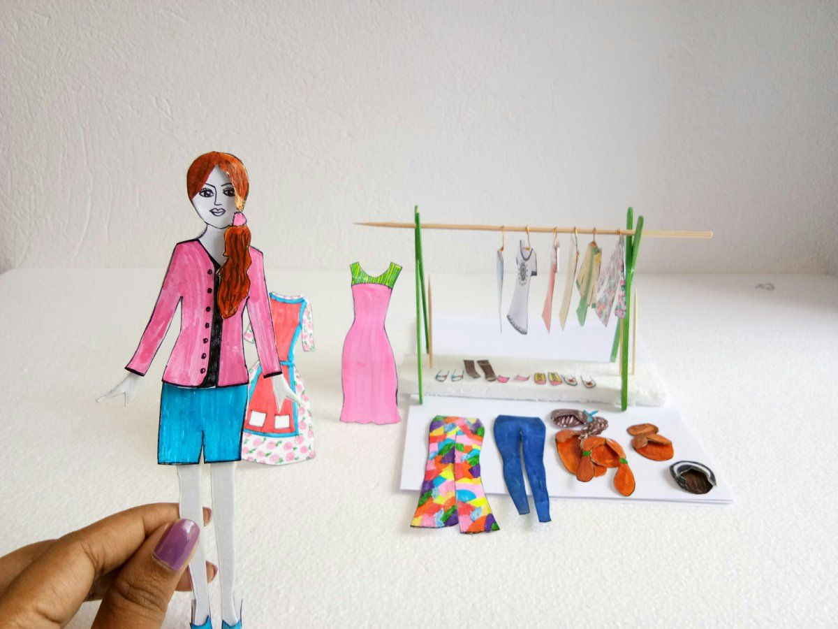 How To Make Paper Doll With Many Dresses Easy Craft Ideas Paper Dolls Diy How To Make Paper Paper Dolls