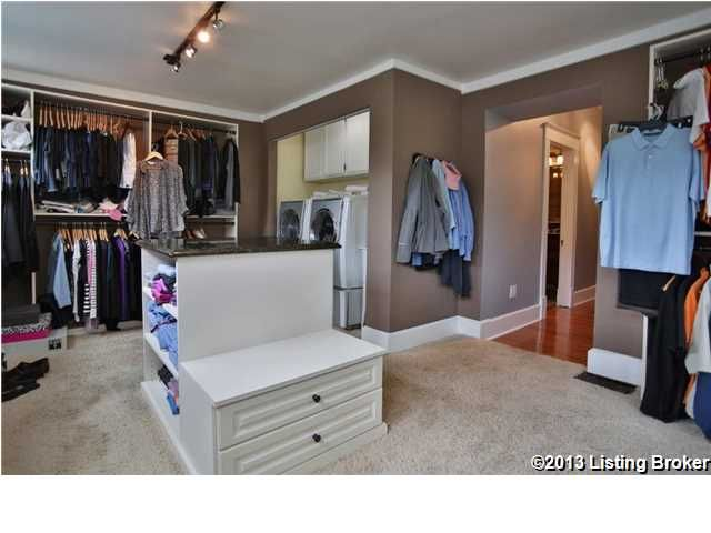 nice idea for closet storage/sitting bench combo | Closet ...