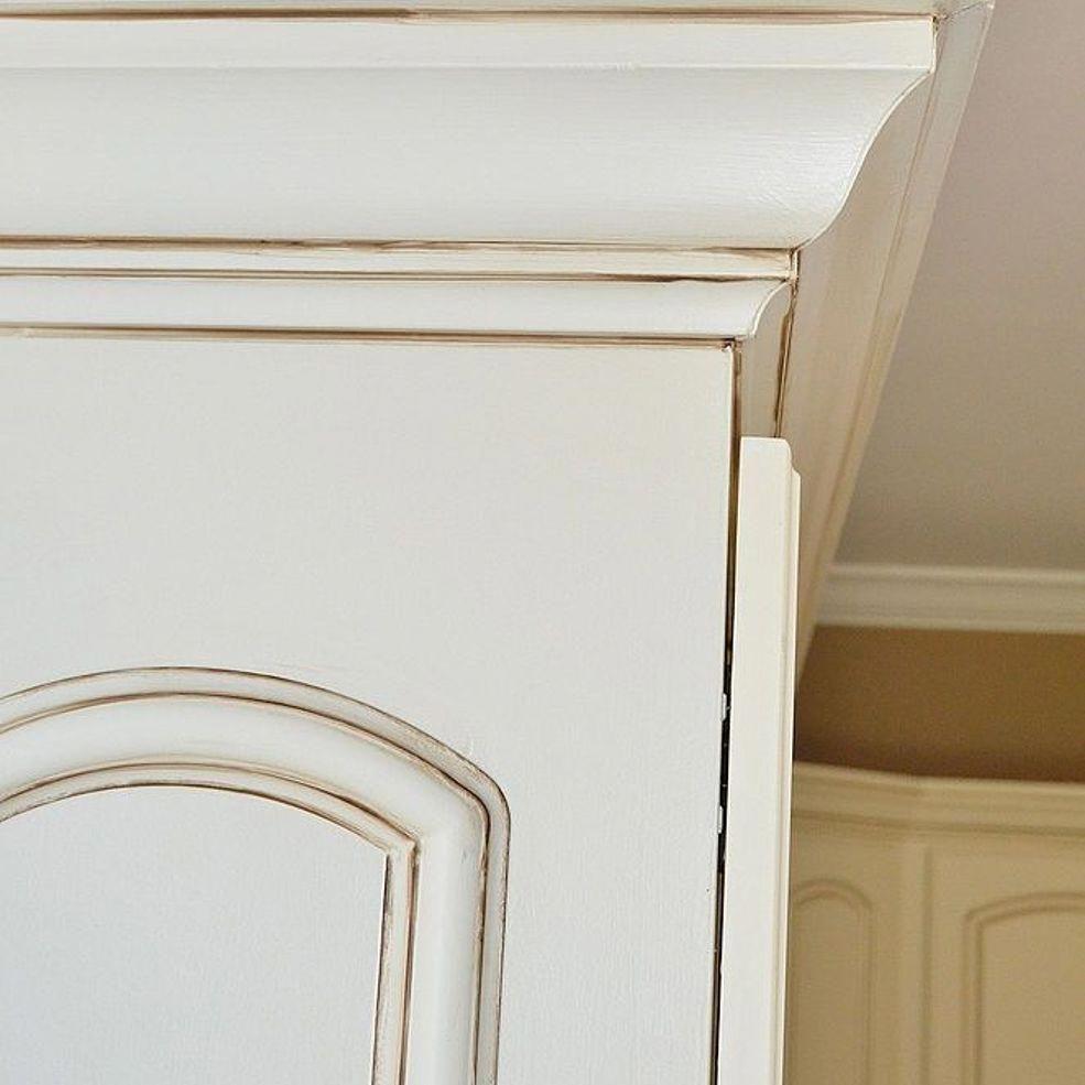 Painted kitchen cabinet details in outdoor kitchen layout