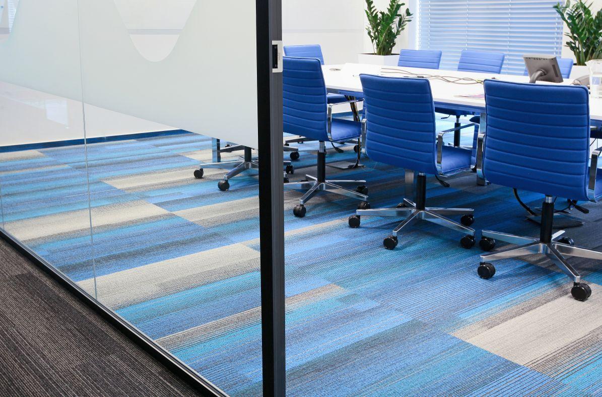 Harley color carpet tiles - Maxus Warszawa Shaw Carpettiles